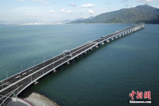 港珠澳大桥连续3日进行联合试运 为开通作准备