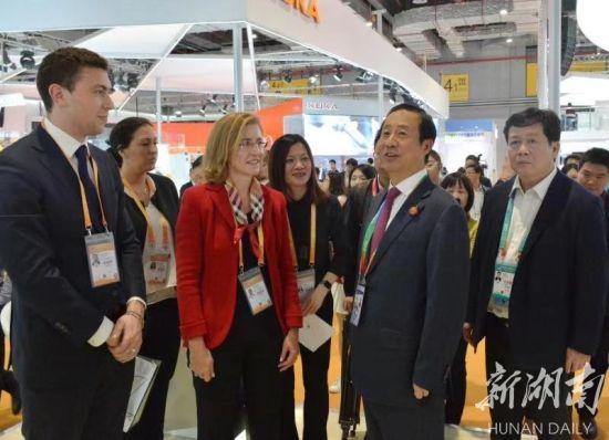 许达哲热忱希望江森自控等全球著名企业,来湘投资兴业,共享湖南发展机遇,实现互利共赢。