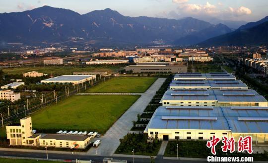 郴州一园区的标准化厂房。 通讯员 王彦雄 摄