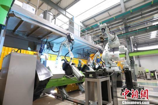 中联重科塔机智能工厂。中联重科 供图