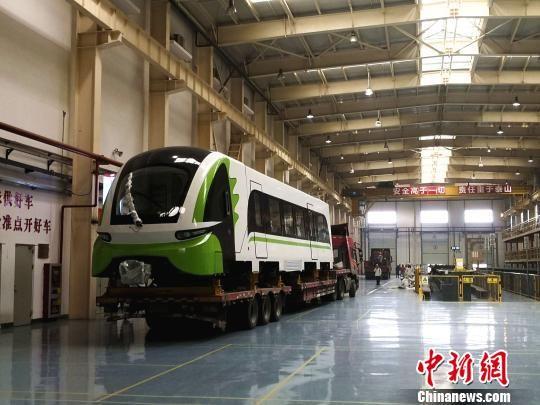 26日,商用磁浮2.0版列车抵达长沙磁浮快线,准备开展测试。 中车株机供图