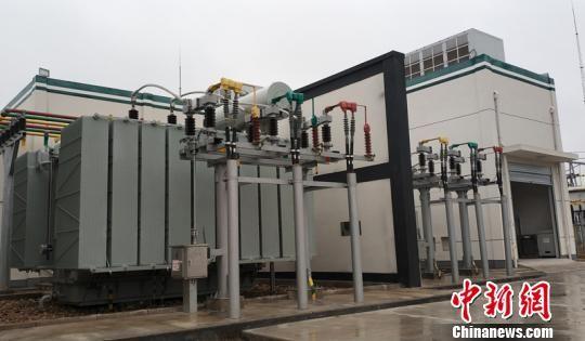 """国网湖南省电力公司等单位的""""一种集约型直流融冰装置拓扑结构""""发明专利应用广泛。 湖南省知识产权局供图 摄"""