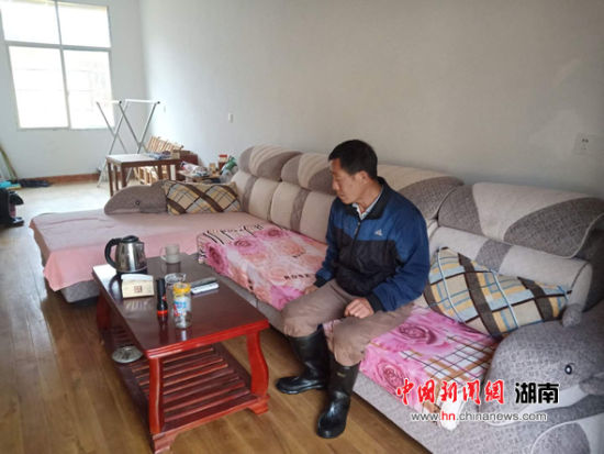 扶贫搬迁户李良方的家,住家齐全好舒服。