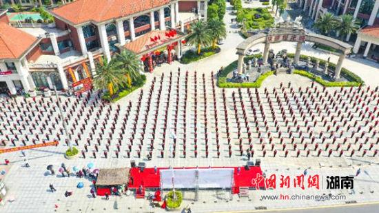 湖南邵阳市区群众健身会员达1.2万人。