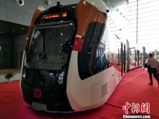 2019中国国际轨道交通和装备制造产业博览会现场实车展示。 付敬懿 摄