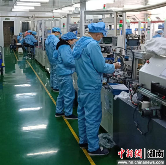 湖南江华:港台企业防疫复工两不误
