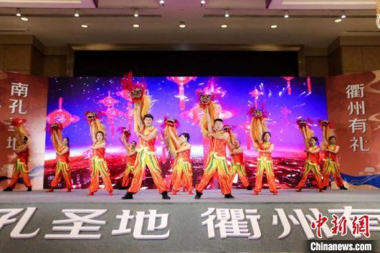 衢州地方民俗表演亮相长沙。 刘佳 摄
