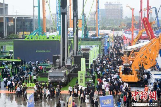 2019年5月,在湖南长沙举行的2019长沙国际工程机械展览会,吸引了1150家中外工程机械企业参展。 杨华峰 摄