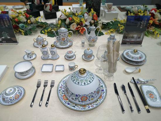 精美的中国瓷器。