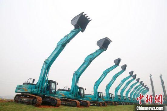 山河工业城三期将成为中南地区最大的挖掘机生产基地。 蒋炼 摄