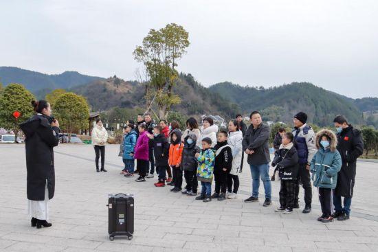 江西双井景区开展孝道研学活动。