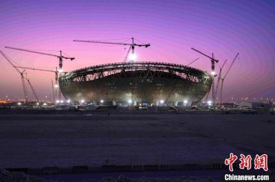 中联重科塔机助力建设卡塔尔卢赛尔体育场。中国铁建国际集团 供图