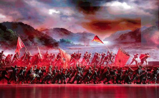 """湖南省庆祝中国共产党成立100周年文艺晚会""""百年正青春""""剧照。湖南卫视供图"""