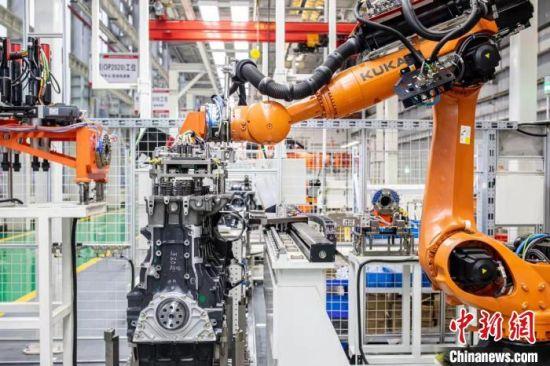 在湖南,许多制造业企业生产车间都实现了智能化。 三一供图