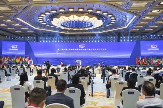 9月26日至29日,第二届中非经贸博览会在湖南长沙举行。杨华峰 摄