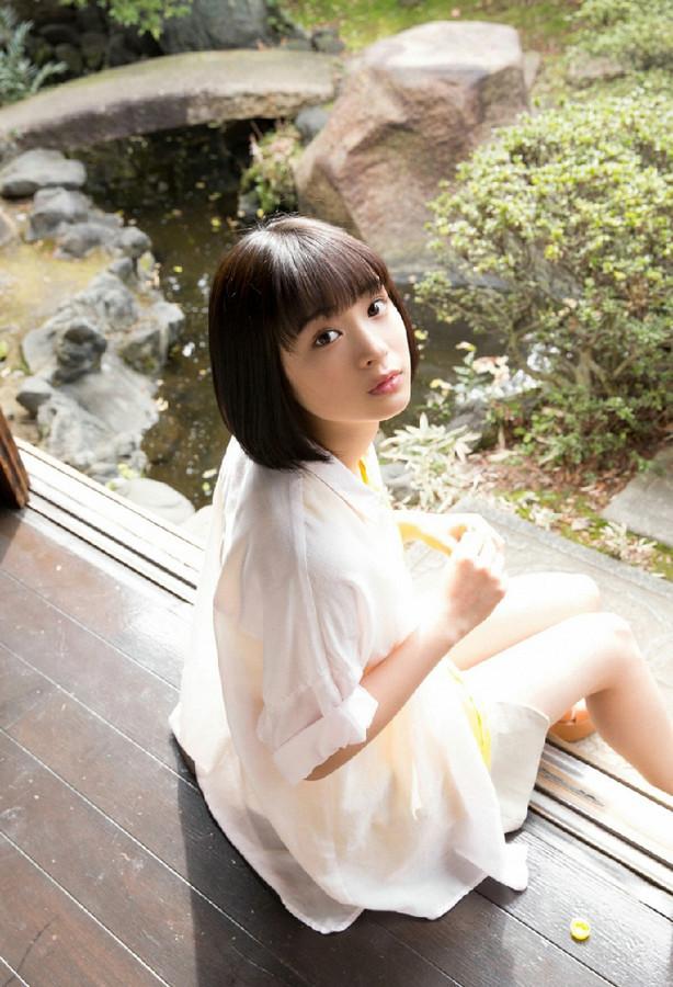 日本17岁氧气女孩清新写真十分清纯靓丽