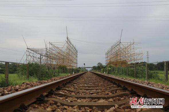 湘电铁军鏖战酒湖线