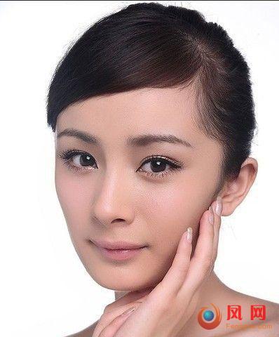 杨幂眼妆画法 无辜大眼妆步骤图解揭秘(4)