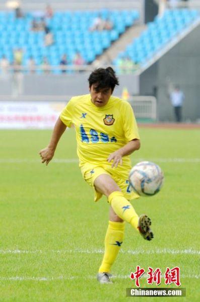 湖南举行香港明星足球赛 众大腕儿亮相 2