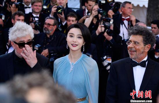 第70届戛纳电影节开幕 中国女星红毯斗艳
