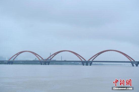 湘江长沙段暴涨超警戒水位1.57