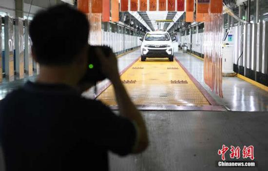世界华人摄影家用镜头记录长沙制造(组图)