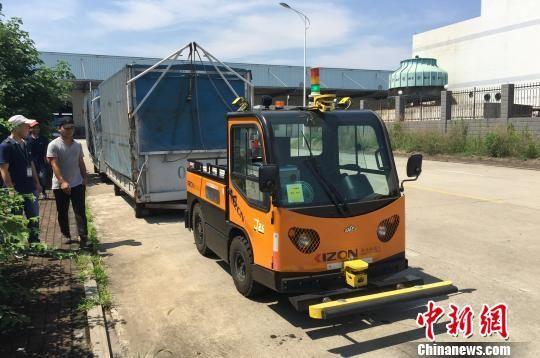 无人驾驶牵引车系统长沙实现工厂应用 提升配送效率