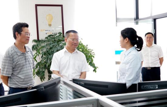 胡忠雄调研知识产权保护工作