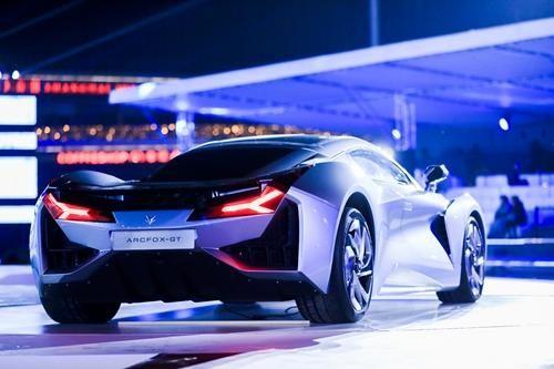 ARCFOX发布IMC架构 引领新能源汽车2.0时代