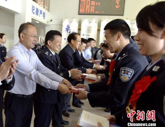 """湖南多打快(kuai)�k""""小�盒""""�(an)"""" 民�心�g(huan)��(qi)�撑氖址Q快(kuai)"""