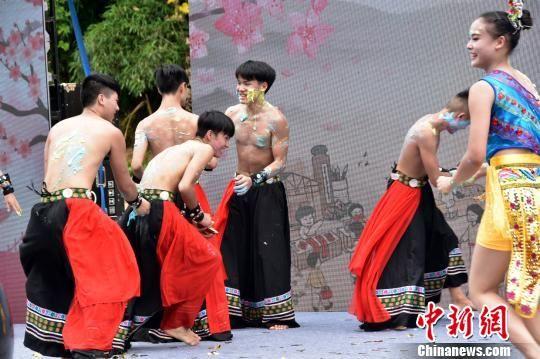 台湾文创集市亮相长沙助推第五届澳门永利官网线上娱乐土家摸泥节