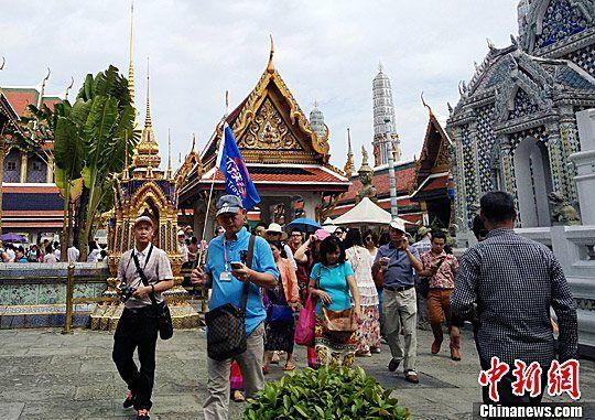 中国驻泰使馆提醒国庆期间抵泰中国游客注意安全