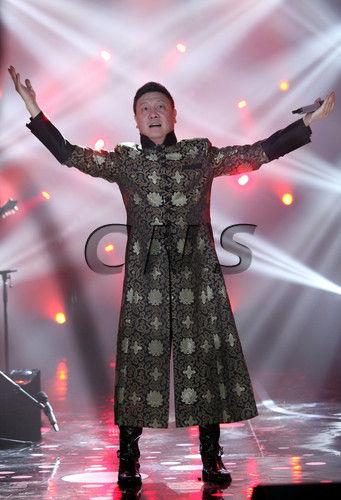 澳门《澳门日报》:韩磊摘得《我是歌手》第二季总冠军