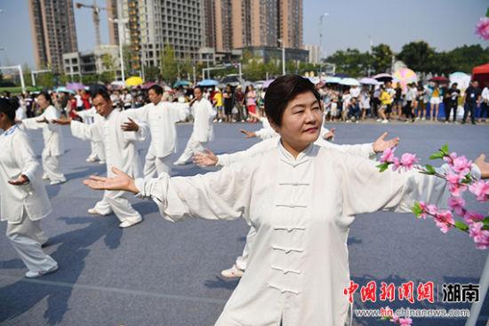 长沙重庆武汉三城联动共庆常德桃花源开园