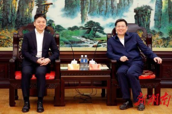 杜家毫会见京东集团董事局主席兼首席执行官刘强东