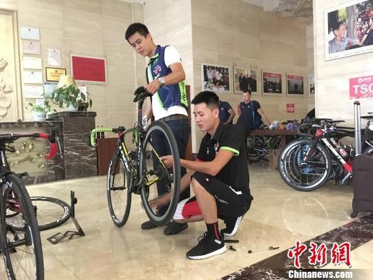 """""""环中国""""第二阶段湖南开赛 意大利小将独揽三色领骑衫"""