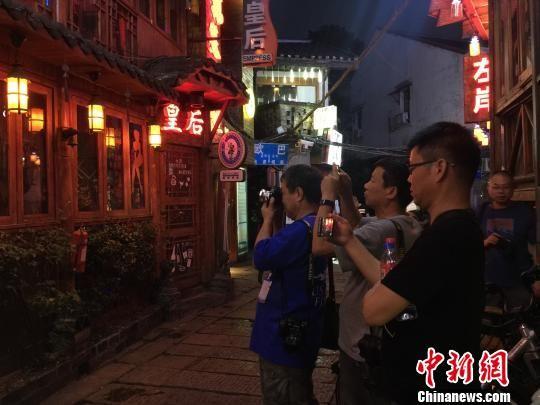 """华人摄影家的""""映像长沙"""":古韵犹存"""
